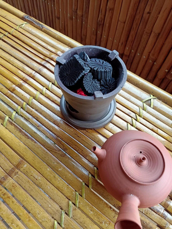 Chọn than đun nước pha trà